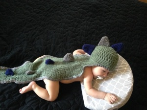 Dino Tail-Hat. Crochet hat into a knitted tail.